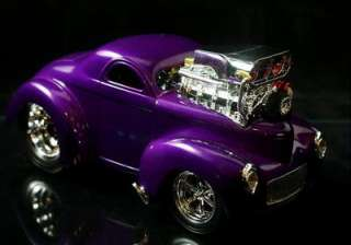 MUSCLE MACHINES 1941 Willys Coupe   Purple 118 Scale