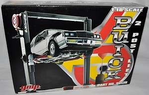 18 BUICK Grand National GNX 2 POST SUPER LIFT #9013B Die Cast Car RARE