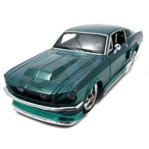 1967 Ford Mustang GT Diecast Car Model 1/24 Green Pro