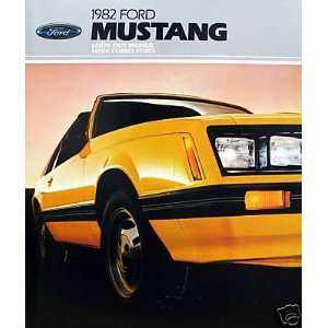 1982 Ford Mustang coupe/hatchback vehicle brochure